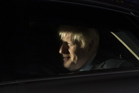 Джонсон спрямував до ЄС запит про відтермінування Brexit і прохання не задовольняти клопотання