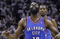 """НБА: Уэстбрук выводит """"Оклахому"""" вперед"""