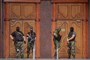 В плену у террористов находятся 53 солдата