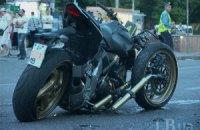 В центре Киева женщина за рулем Lexus сбила насмерть мотоциклиста