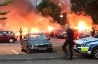 В разных городах Швеции подожгли десятки автомобилей