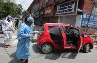 В Індії зафіксували новий антиреконд з добової смертності через ковід, у половині штатів – локдаун