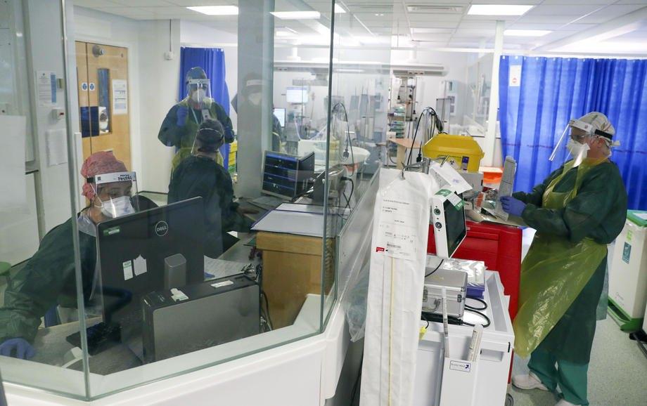 Відділення інтенсивної терапії, де лікують пацієнтів з коронавірусом, у лікарні Фрімлі-парк, Суррей, Великобританія, 22 травня 2020 р