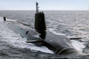 Британський корабель перехопив російський підводний човен