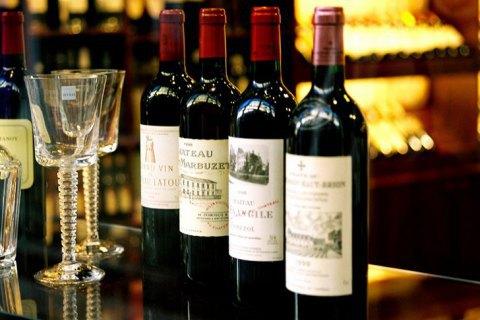 У Бордо згорів склад вина, знищено 2 млн пляшок вартістю $13 млн