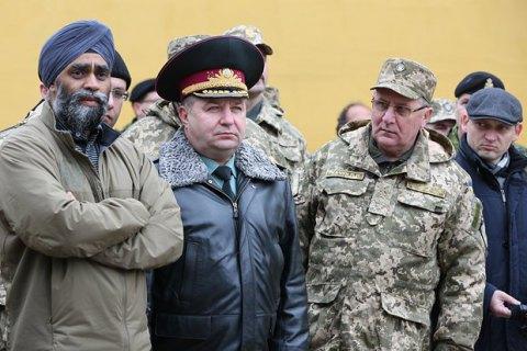 Канада намерена помочь украинским военным в овладении современным оружием