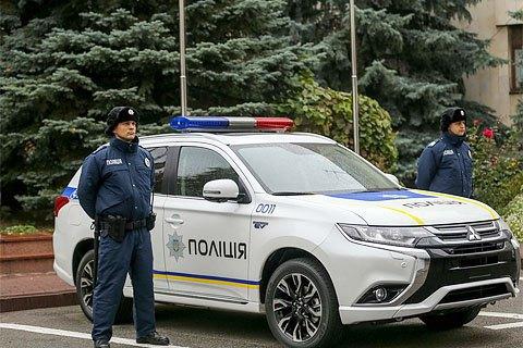 Японія подарувала українським поліцейським зимову форму