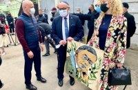 Посол Израиля открыл в Одессе мурал и часы в честь писателя Жаботинского