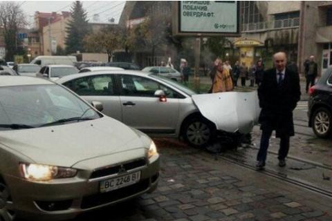 Экс-мэр Львова попал в ДТП