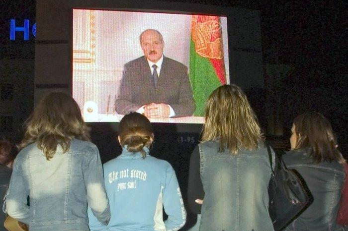 Президент Беларуси Александра Лукашенко объявил с телеэкранов о всенародном референдуме, Минск,7 сентября 2004