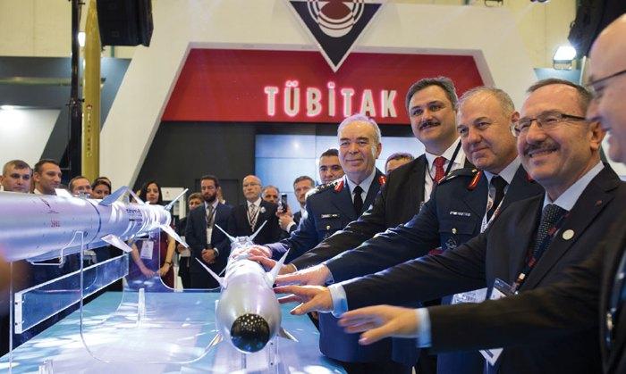Ракета спільної розробки Ради по науково-технічних досліджень Туреччини (TUBITAK) і Науково-дослідного інституту оборонної промисловості (SAGE) представлена на міжнародній оборонній виставці (IDEF-2017) в Стамбулі, травень 2017.