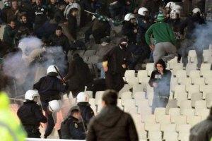 В Греции остановили футбольный чемпионат из-за фанатского беспредела