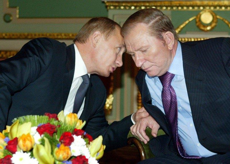 Володимир Путін і Леонід Кучма під час зустрічі в Маріїнському палаці, Київ, 27 жовтня 2004 року