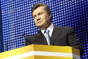 Янукович схвалив прив'язку акцизів на бензин до вартості нафти