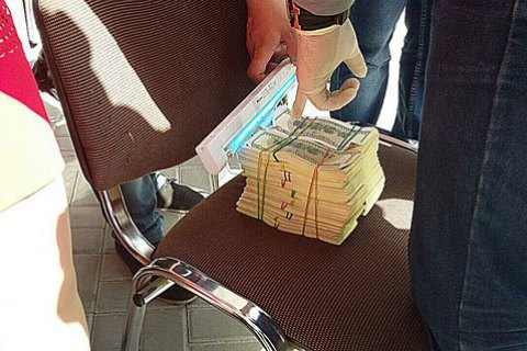 У Херсоні директора будкомпанії спіймали на хабарі $225 тисяч