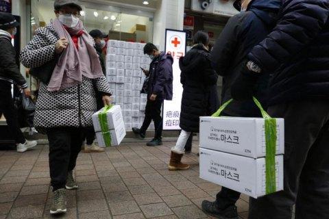 Число жертв коронавірусу в Китаї перевищило 900 людей
