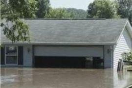 Мощный ураган оставил без света 300 тысяч американцев