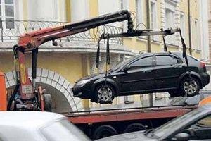 Попов решил запустить на улицы эвакуаторы