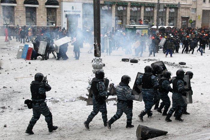 Бої на Грушевського