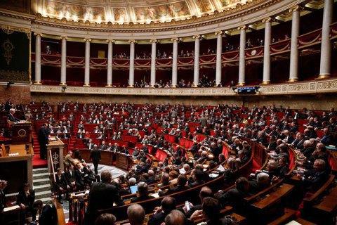 Парламент Франції проголосував за незобов'язувальну пропозицію зняти санкції з Росії