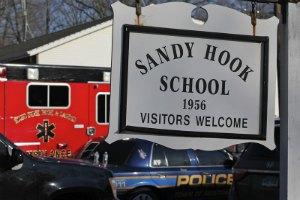 США: жители Ньютауна проголосовали за снос школы, где были убиты 20 детей
