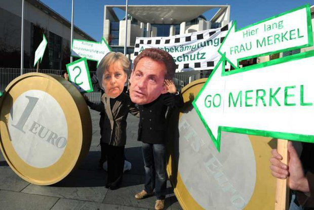 Меркель еще держится, а Саркози уже покинул свой пост из-за кризиса