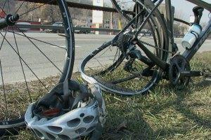 Милиция задержала водителя, сбившего группу велосипедистов в Киеве