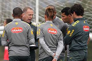 Дуглас Коста, Джулиано и Андре сохраняют шансы на участие в Олимпиаде