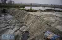 В Киеве продолжают незаконно добывать песок