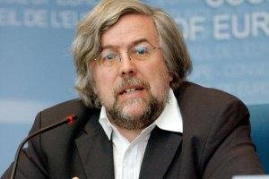 Голову місії спостерігачів ПАРЄ за виборами в Україні вирішили не карати