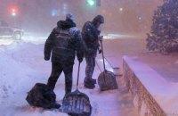 Из-за снегопада около 10 тыс. человек в Крыму остались без света