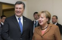 Янукович провел переговоры с Меркель