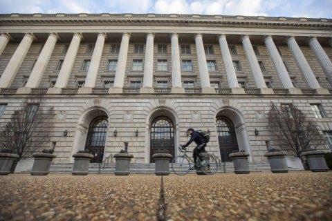 Депутаты открыли США доступ к информации о счетах американских граждан в Украине