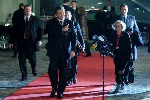 Янукович рассказал, с каким настроением прибыл на саммит в Вильнюсе