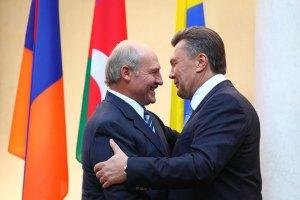 Сегодня к Януковичу прилетит Лукашенко