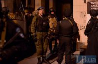 """Під готель """"Дніпро"""" приїхав командир Асавелюк, який керував снайперами на Інститутській (ОНОВЛЕНО)"""
