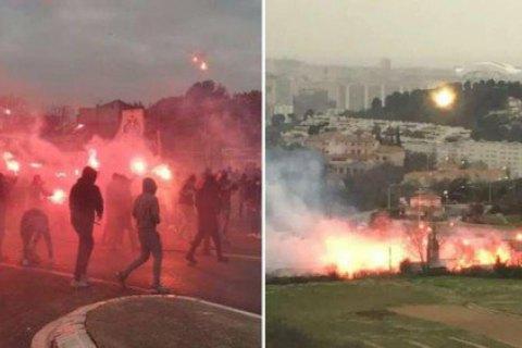 """Фаны """"Марселя"""" подожгли базу клуба и ранили футболиста, а матч против """"Ренна"""" был отменен"""