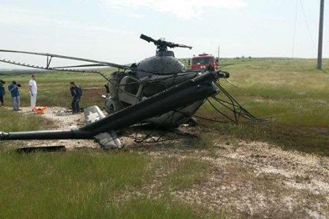 У Ставропольському краї Росії намагалися закопати вертоліт, який упав, з допомогою трактора