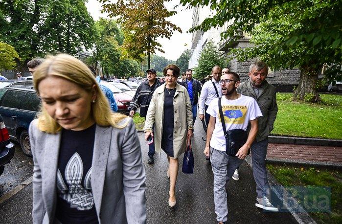 Протестующим удалось пообщаться с Ниной Южаниной во время акции под Кабмином