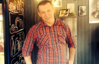 Мужчина, которого зарезали на остановке в Киеве, оказался шеф-поваром одесского ресторана (обновлено)
