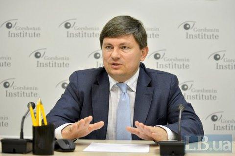 Пока на Донбассе - российская армия, никаких выборов там не будет, - постпред Президента