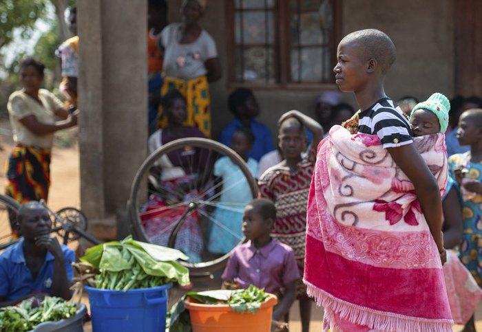 Очередь в центр здоровья в Блантайре, Малави, 1 октября 2019.