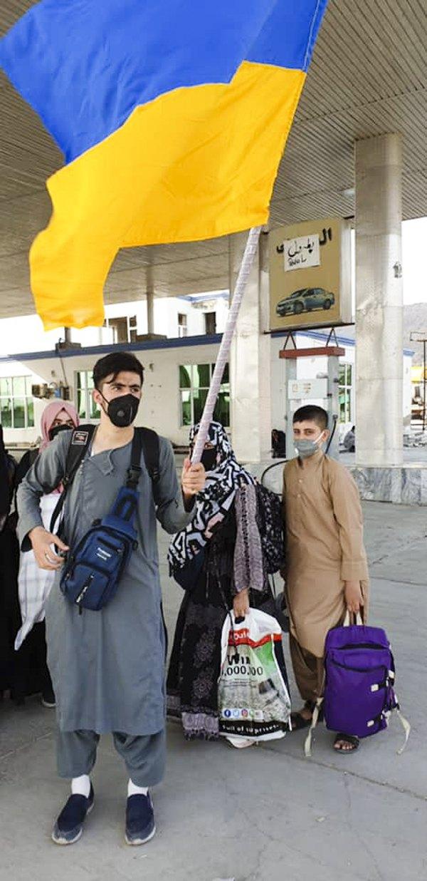 Громадяни України і члени їх сімей в очікуванні евакуації з Афганістану в Україну.