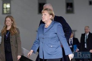 Меркель не вважає санкції обов'язковими для врегулювання кризи в Україні
