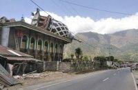 Число жертв землетрясения в Индонезии превысило 550