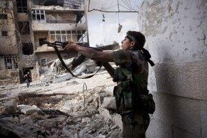 Сирийские повстанцы пытаются перекрыть доступ армии в Алеппо