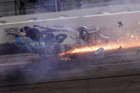 """В самой престижной гонке NASCAR - """"Дайтоне 500"""" произошла тяжелая авария"""