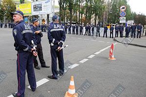 Милиция препятствует шествию оппозиции на Банковую