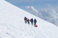 На Ельбрусі загинув альпініст з України