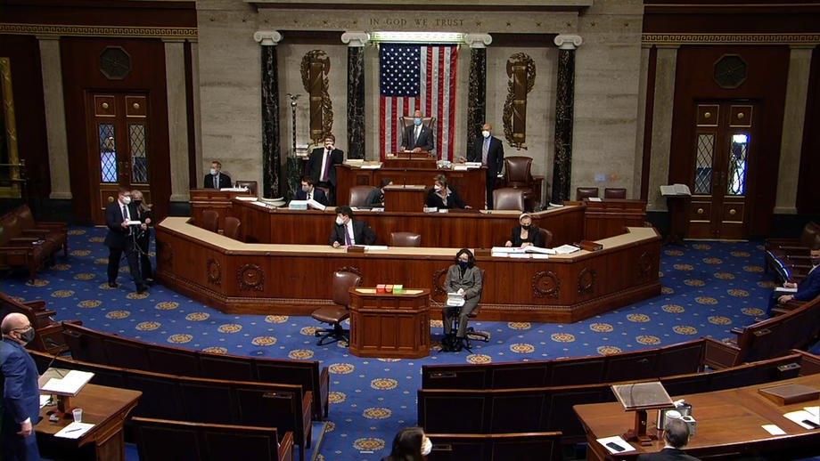 Дебаты в Палате представителей во время рассмотрения вопроса об импичменте президента Дональда Трампа во второй раз, Вашингтон, 13 января 2021 г.